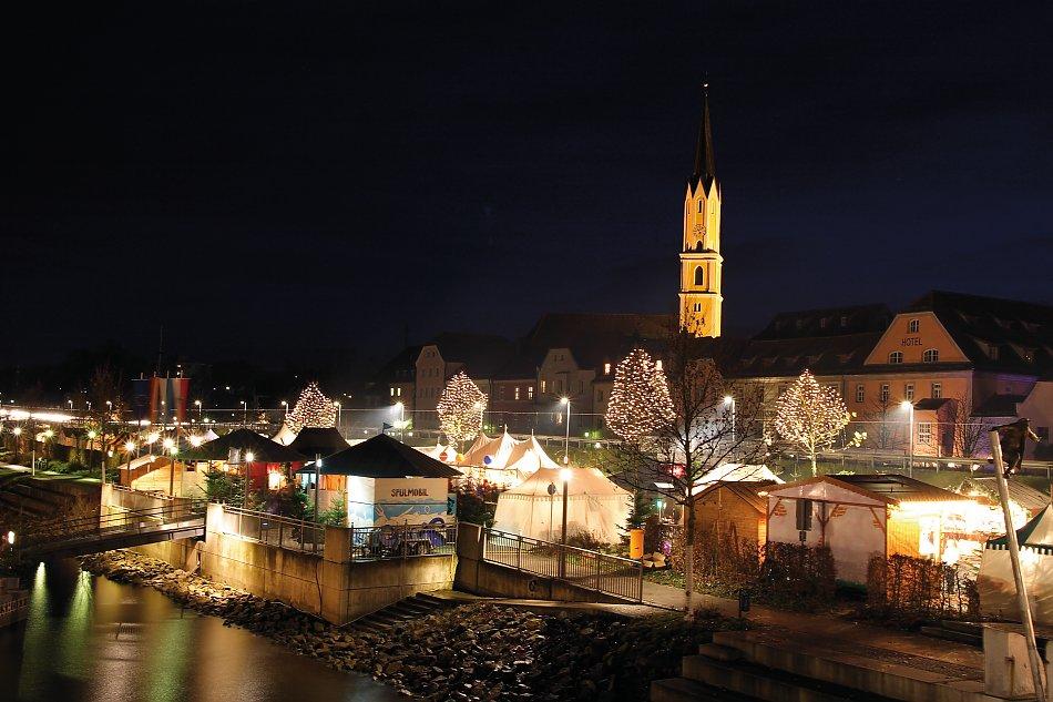 Schwimmender Weihnachtsmarkt.Bur Reisen Gmbh Schwimmender Christkindlmarkt Vilshofen
